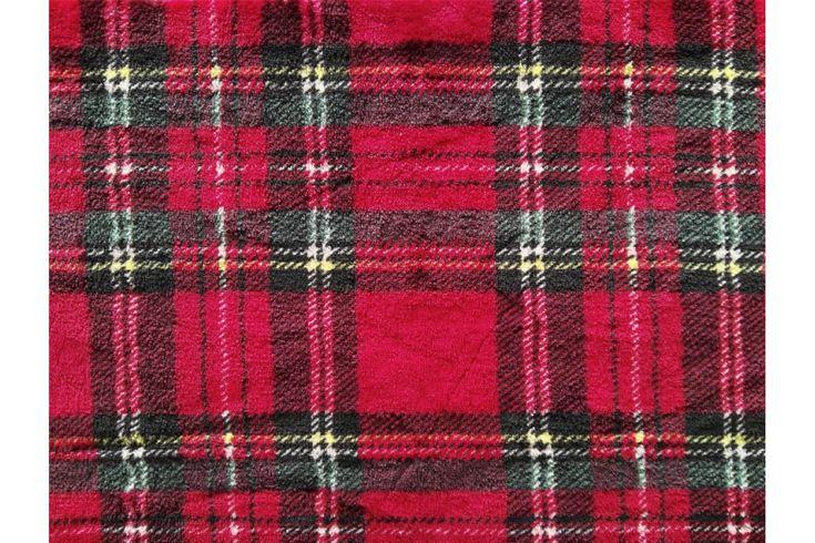 Tela polar en coralina ultra suave, con estampado de escocés en fondo rojo. Seca rápidamente. Ideal para mantas, arrullos de bebé, prendas de abrigo...#coralina #polar #tela #estampado #escoces #rojo #invierno #niños #bebé #pijamas #mantas #batas #confección #tejido #tejidos #textil #telasseñora #telasniños #comprar #online #comprartela #compraronline