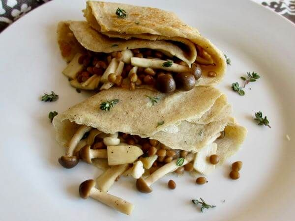 Savoury Buckwheat Crêpes with Exotic Mushrooms // Recipe Redux August 2017 – Taste & See  A savoury breakfast that will satisfy any tummy. A wonderful alternative to traditional savoury breakfasts, and a good recipe to add to the breakfast mix if you have a tendency to gravitate towards sweeter breakfasts.  Serves 2  #glutenfree #healthybreakfast #mushrooms #tasteandseeblog