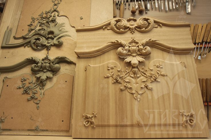 """Резная филенка для двери из массива дерева и ее скульптурная модель. Резьба выполнена """"в мясе"""". Стиль Барокко. Carved panel for the door made of solid wood and its sculptural model. The Baroque Style."""