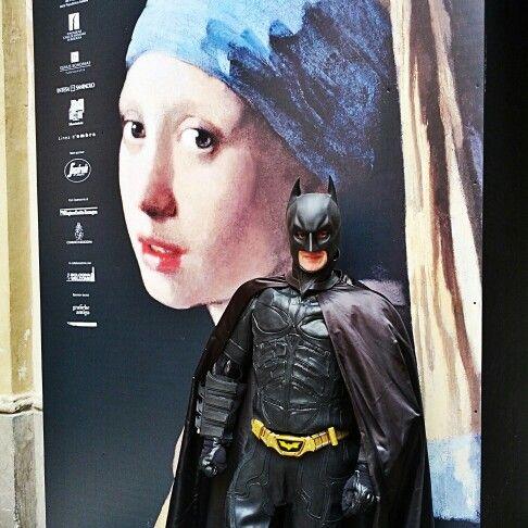 Batman vigila su La ragazza con l'orecchino di perla