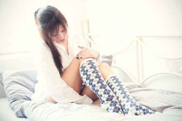 Strikkeoppskrift knesokker med argylemønster strikkemønster strikke oppskrift mønster sokker knesokker