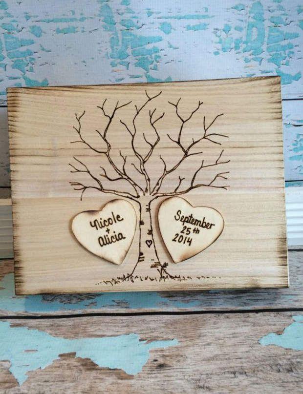 L'arbre à graverPour les mariages à la campagne, cet arbre en bois saura séduire…