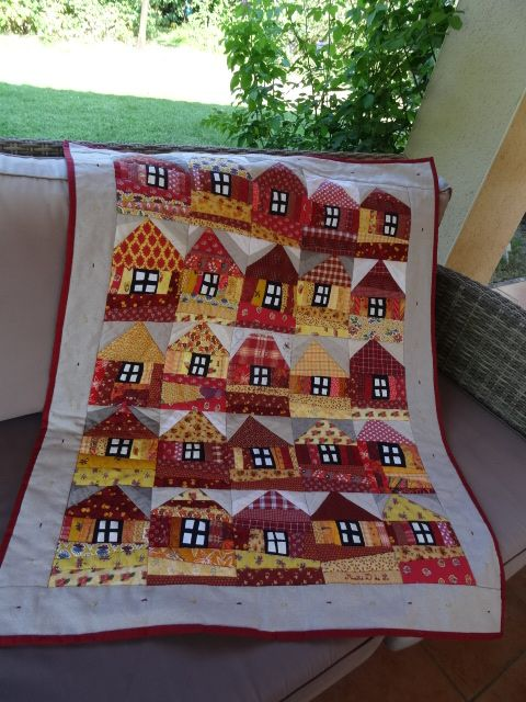 House quilt at Crayon and Pencil patchwork
