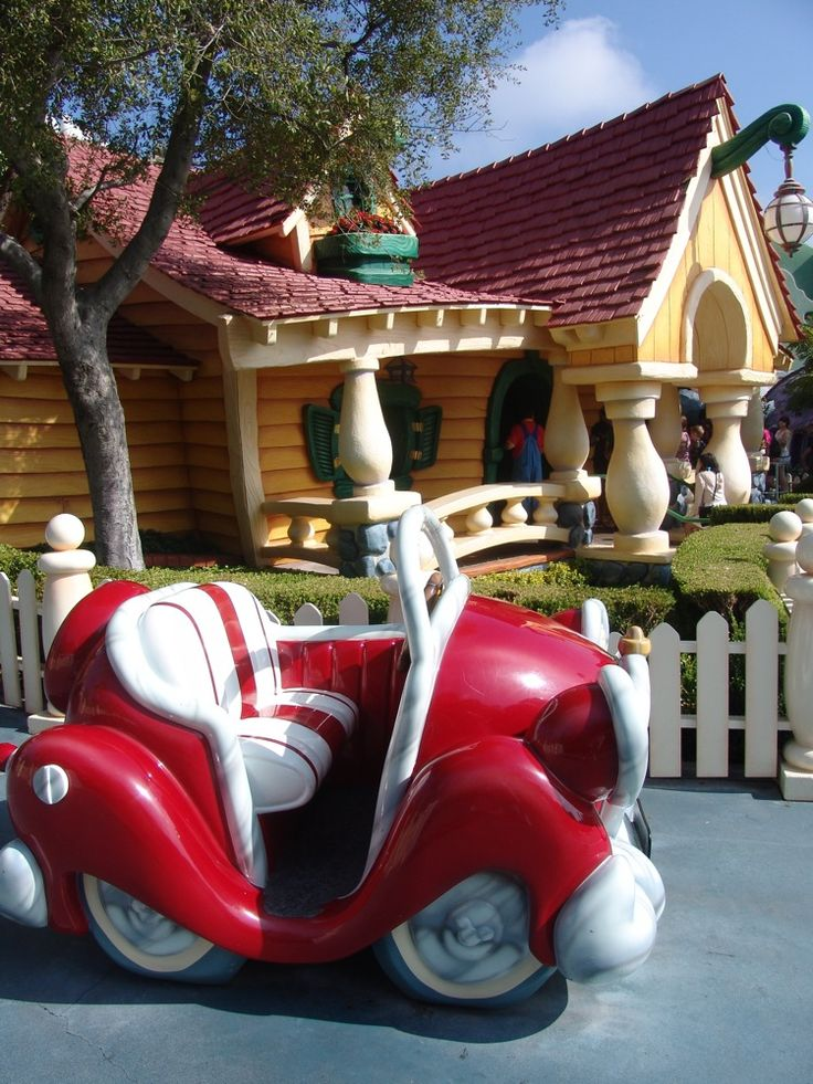 Mickey's House  | Mickey's Toontown / Mickey-Mouse-House-14