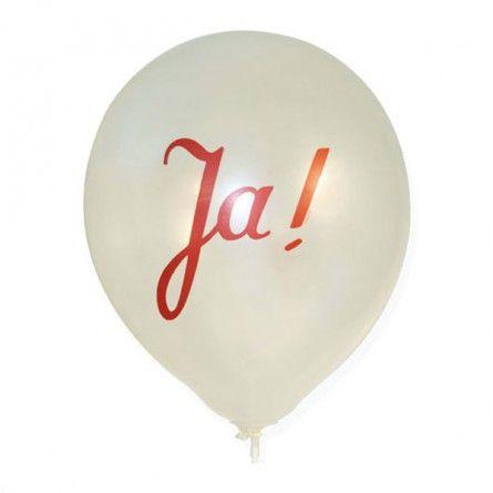Cremfarbener Latexballon mit rotem Aufdruck Ja!  Ob beim Sektempfang, nach der Kirche, als Autoschmuck oder Saaldekoration.  Luftballons sind eine zeitlos schöne Idee.  Ballons mit Gas befüllbar.   Farbe: creme Inhalt: 10 Stück  • Wissenswertes: - Heliumfüllmenge pro Ballon: ca. 0,015m³ - Dieser Ballon trägt heliumgefüllt unsere Ballonkarten - Biologisch abbaubar (100% Naturlatex) - Lagerung von ca. 1 Jahr möglich (bei 10-20 Grad Celsius) - Die Ballons immer 1-2h vor dem Fliegenlassen mit…