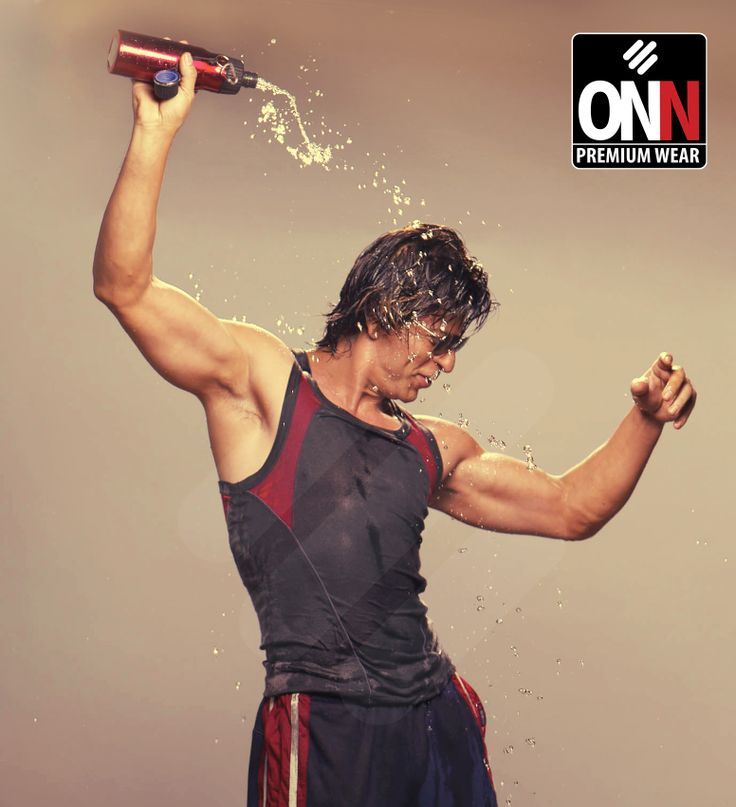Exclusive snapshot of Mr Shahrukh Khan with our hypnotic New Sportz collection…