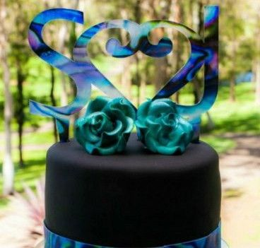 Paua - look Cake Toppers - love these! Perfect for a beach wedding :)