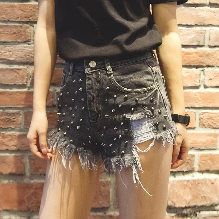 Alibaba グループ | AliExpress.comの ショーツ からの Star Printed Frazzle Hole Fashion Casual Denim Shorts Female Summer Tassle Women Jeans Shorts Sexy Slim Blue Flare Denim 中の 2016 ハンサム リベット女性の ジーンズ ショーツ セクシー な ヴィンテージ くたくた に なる デニム ショーツ付き ハイ ウエスト黒青スリム ショーツ女性の夏