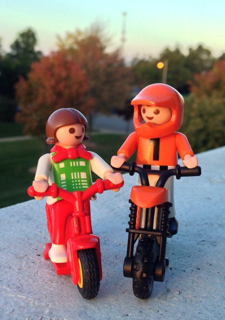 Happy playmobil couple!