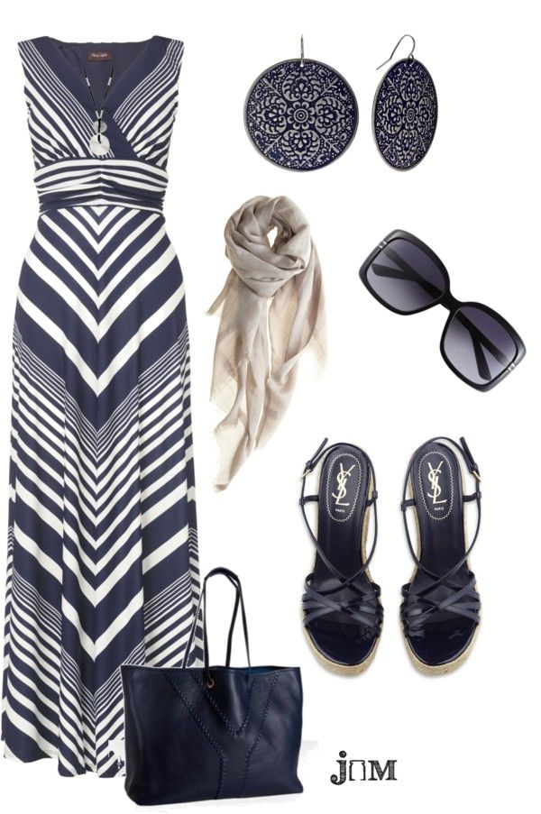 So chic, love this dress and ear rings. Love!