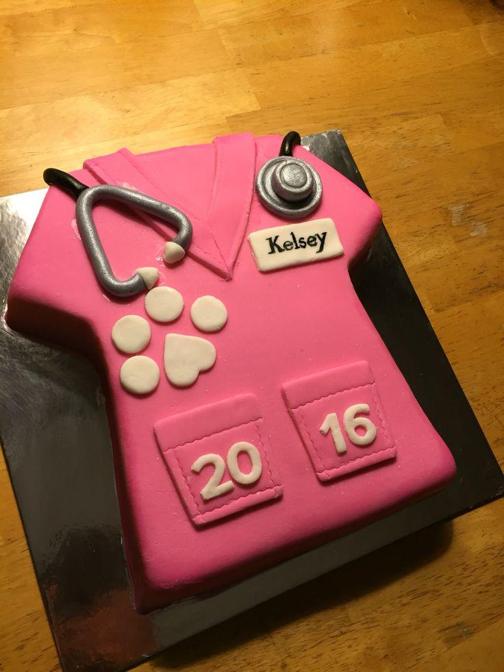 Vet tech graduation cake (scrubs)