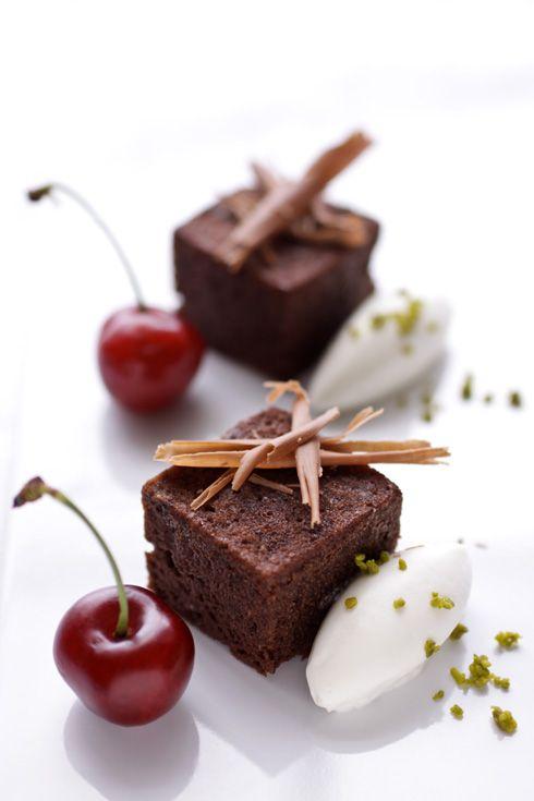 cannelle et vanille - food & drink - food - dessert - chocolate, hazelnut and milk skin tea cakes (recipe)