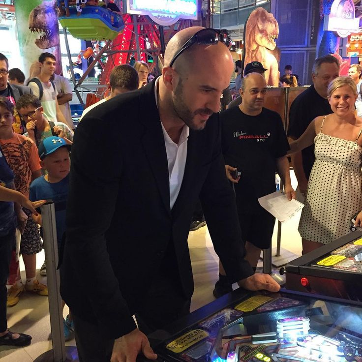 #SwissSuperman @wwecesaro just partook in some free pinball at #ToysRUs in Times Square! #SummerSlam