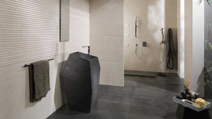 #Mosaicos Adagio y los complementos de #baño Faces y Minim de Ramon Esteve , lo último de @anticcolonial en #XXIIPorcelanosaExhibition
