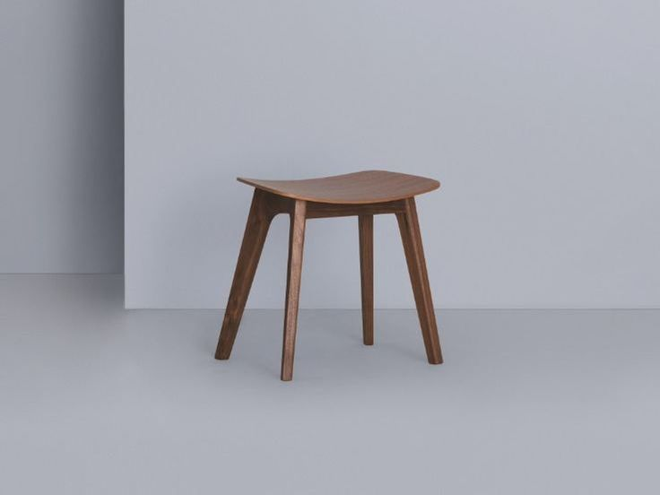 Low wooden stool MORPH | Stool - ZEITRAUM