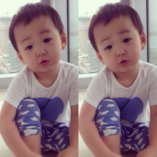 "Treat myself to a Minguk cute photo. He's like saying ""So what? What's so special?"" Lolz... ... #daehanMINGUKmanse #bias"