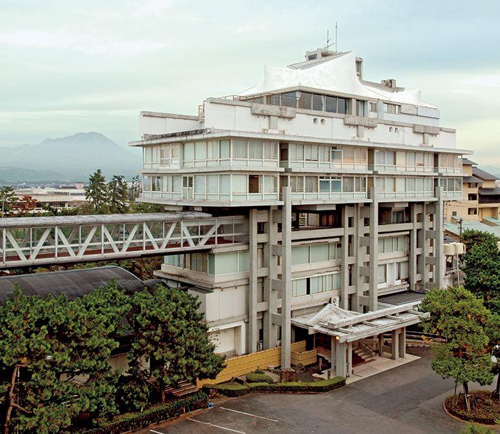 037 Hotel Toukouen (1964), by Kiyonori Kikutake