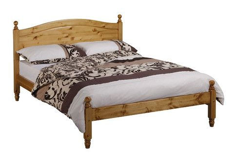 The Dusseldorf Bed features a curved headboard and footboard (Low foot end). It is very strong. Reinforcement Features: Constructed from the Strongest Scandinavian Solid Pine, Chunky Heavy Duty Solid Pine Side Rails, Reinforcement Centre Bar with Support Legs, Heavy Duty Fixings& Extra Thick and Wide Solid Slats. Antique Wax, Antique, Chocolate Brown, Mahogany, Oak, Painted White or Painted Cream.