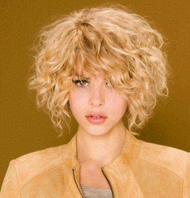 Exemple coupe cheveux bouclés 2014