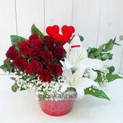 Kırmızı Gül, Lilyum ve Kalpler çiçeği