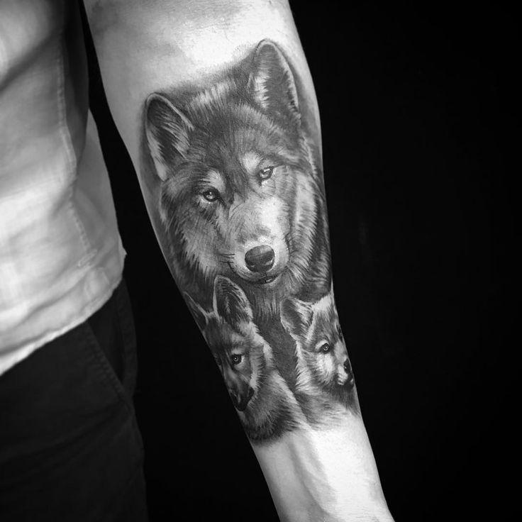 данным картинки тату волчица с волчатами каждой пони