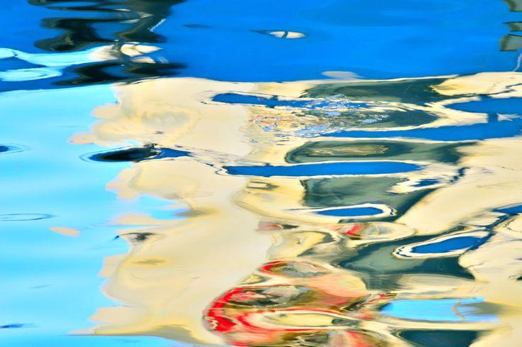 Azul y cián en el puerto de Adra_1 by Fernando Fernández on 500px