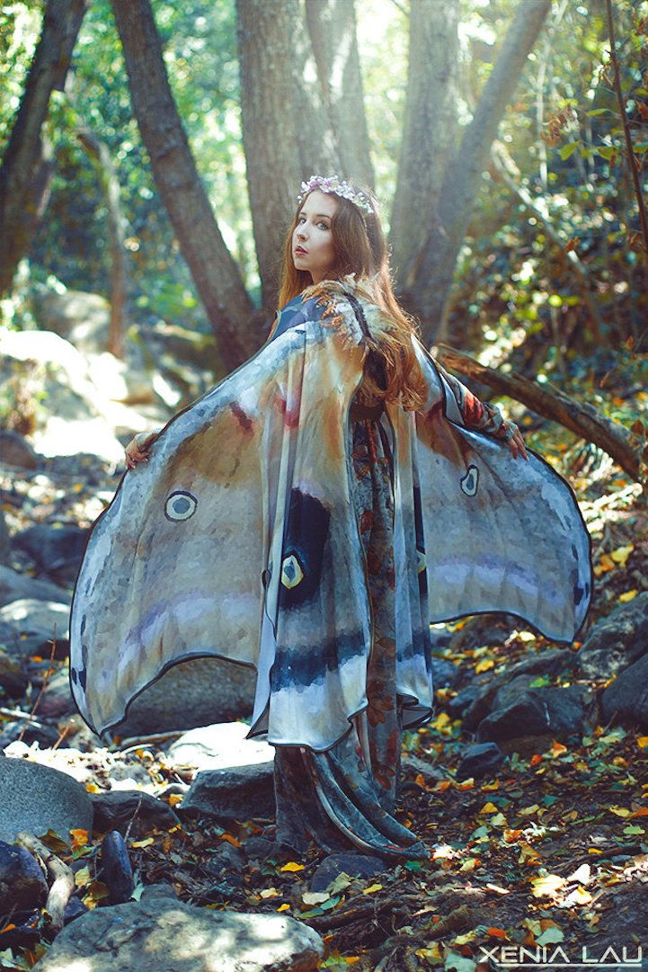 El Costurero Real produces delicate scarves that let you wrap yourself in the wings of a butterfly or moth. The Granada-based shop is inspired by the beauty and anatomical complexities of these insects, and they adorn the cloaks with the intricate coloring and detailing you'd see if a real one fluttered past. The construction of …