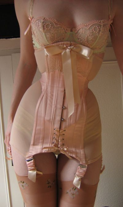 Sian Hoffman corset. She's been on my lust list for ages.