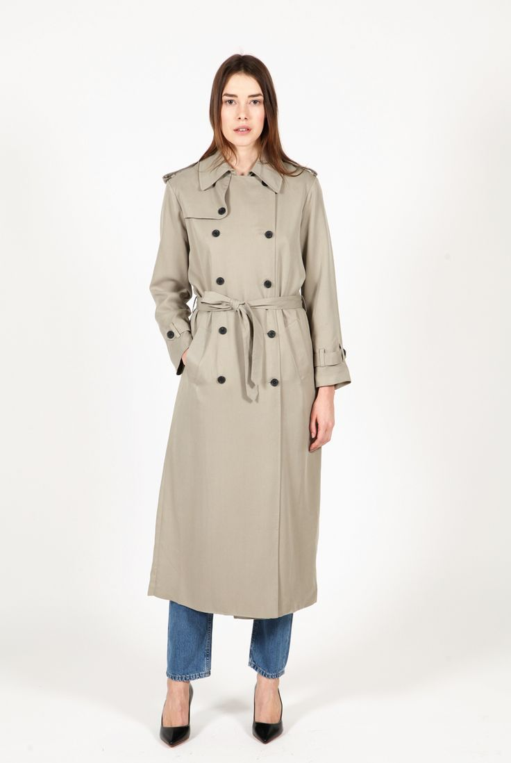 Classic relaxed trench coat.