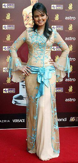 Baju Kebaya - Siti Nurhaliza