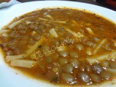 Erişteli Yeşil Mercimek Çorbası Tarifi - Çorbalar