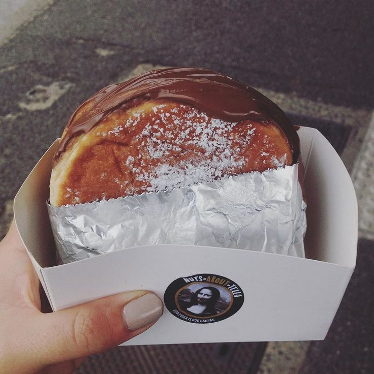 """Getting this Nutella """"burger"""" was the only productive thing I did today. I'd call that a successful Sunday. #melbourne #australia"""