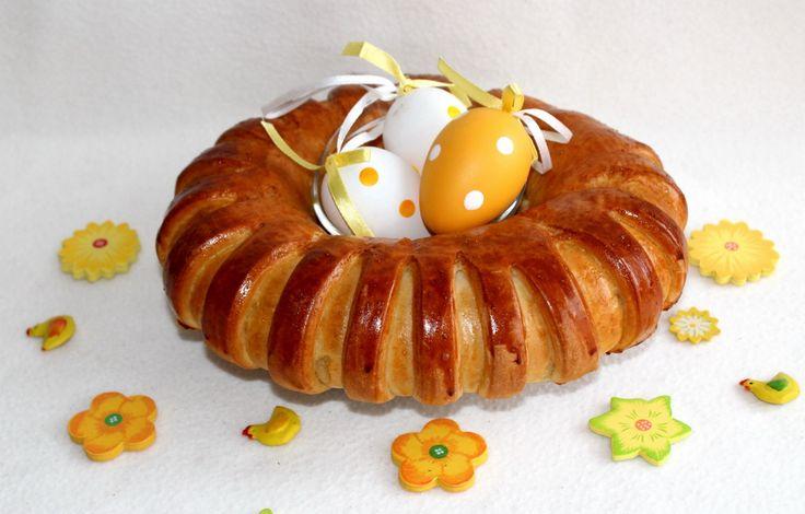 Húsvéti sonkás-tormás koszorú recept