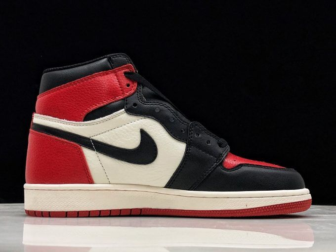 super popular 4e0c2 8bdeb 2019 Travis Scott x Air Jordan 1 High OG Bred Toe For Sale-5