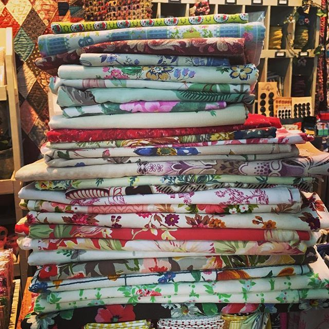 Gotta love a stack of French vintage fabrics! All pressed and ready for another great day at the AQC! #luccellomelbourne #aqc2018 #vintagefabric