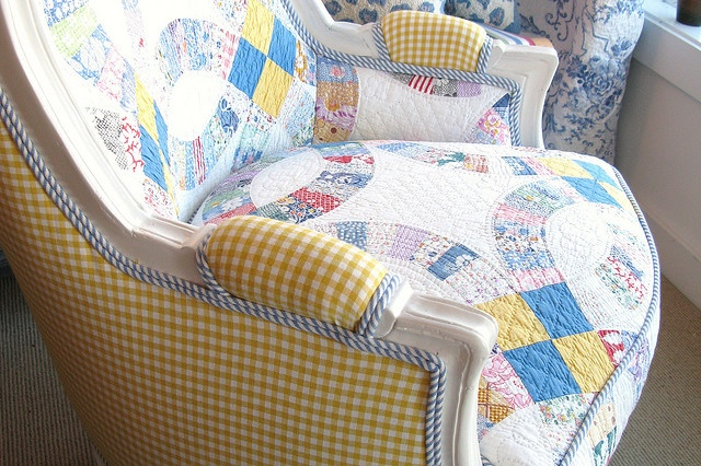 quilt chair: Quilted Chairs, Snuggles Chairs, Quilts Chairs, Hill Cottages, Old Quilts, Quilts Upholstered, Upholstered Chairs, Hydrangeas Hill, Furniture