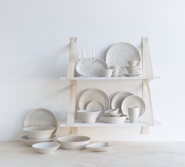 Vanilja Tableware | The tasty Vanilja tableware are excellent collectables. The collection adds sweet vanilla flavour to your life. Designed by Anu Pentik.
