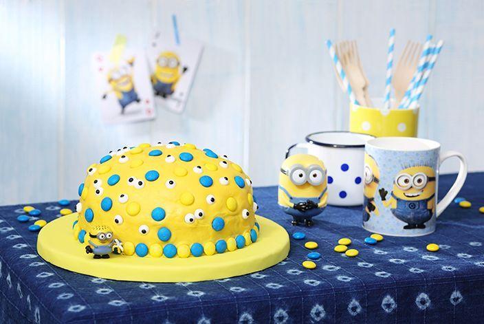 Sieht super aus und für den Teig könnt Ihr auch eine Backmischung verwenden: Unser schnelle Minions-Kuchen mit Bananen.