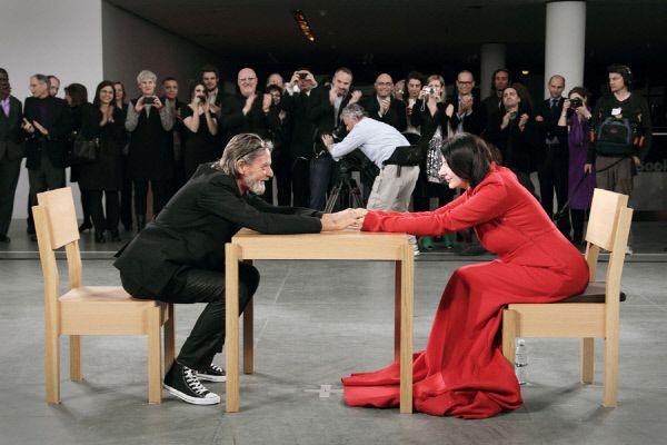 [문명, 그 길을 묻다 - 세계 지성과의 대화](8) 행위예술가 마리나 아브라모비치 - 경향신문