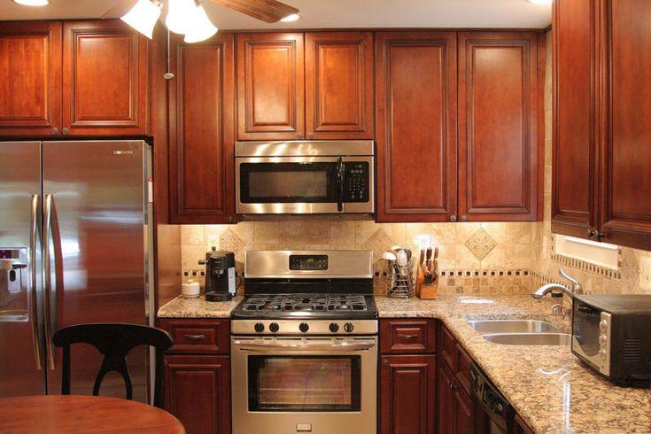 BrandyWine Maple Kitchen Cabinets