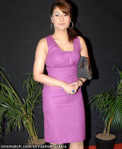 Urvashi Dholakia (Hindi: उर्वशी ढोलकिया) is an Indian television actress, who is best known for portraying the role of an antagonist, Komolika, in Ekta Kapoor's Indian soap opera Kasautii Zindagii Kay on Star Plus, which ran from 2001 to 2008. like : http://www.Unomatch.com/Urvashidholakia/