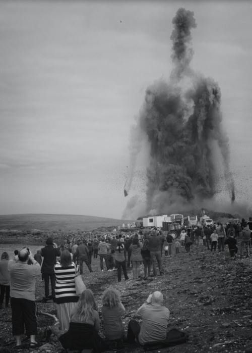 "johnnythehorsepart2: "" Smoke from the demolition of power plant forms a humanoid figure via Hubert Mounier """