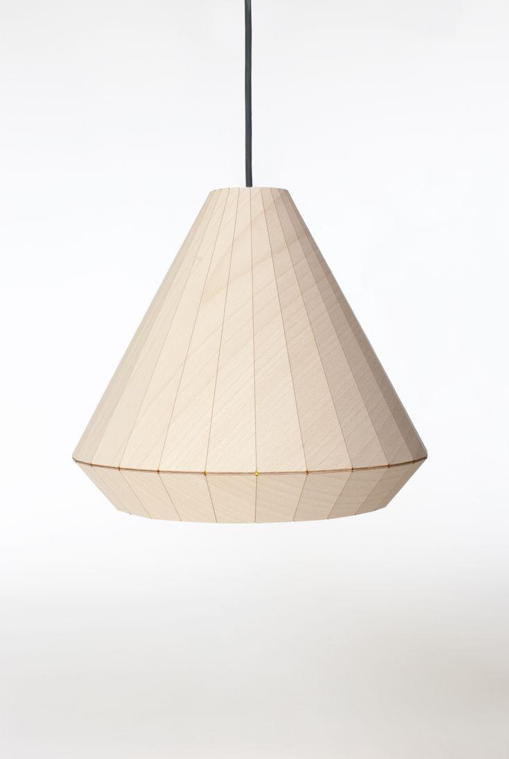 WOODEN LIGHT van David Derksen. We love houten lampen. Deze hanglamp is gemaakt van beuken fineer waarop een reflecterende folie is aangebracht. Het fineer wordt laser gesneden en de vouwlijnen gegraveerd. Te koop in Gimmii shop: http://www.gimmii.nl/shop/david-derksen-design/wooden-light-hanglamp/