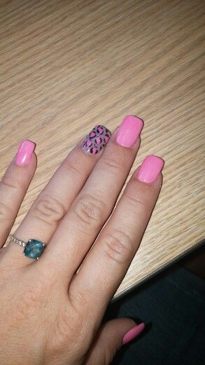 Pink and silver powder with leopard design