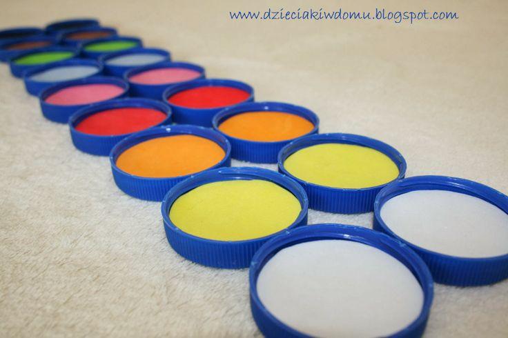 Gra w kolory - memory www.dzieciakiwdomu.blogspot.com