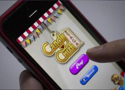 Candy Crush Addict Steals Almost $2,000 from Ailing Mother to Feed Gaming Habit-In its run of success these past years,many of us have felt at least a little bit of an addiction to Candy Crush Saga on our smartphones,tablets, or Facebook pages. But has your love of the game ever driven you to steal thousands of dollars just to keep playing –– and from your own mother, no less?For nearly two years now, a 45-year-old English woman funneled money from her mother's bank account just to fund her…