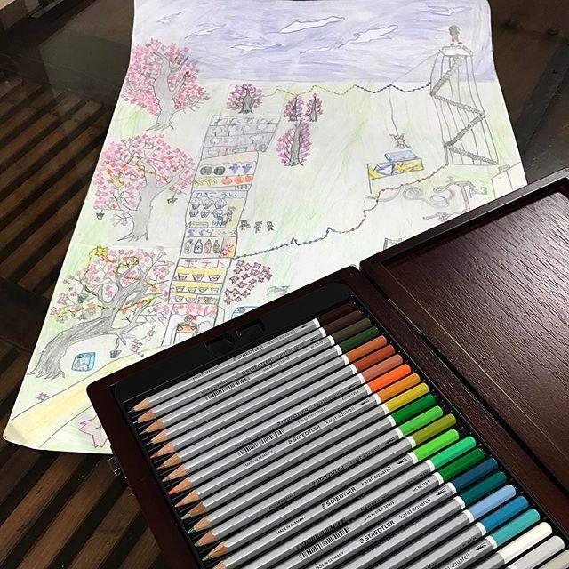 【mitsu071921】さんのInstagramをピンしています。 《2017.1.8  連日追い込みかけてやっと...💦完成させました冬休みの絵の宿題。 この連休はサッカー合宿の為、合宿前になんとか、やっと💧完成?させました。  #なんか余白が多い。。 #drawing  #staedtler #picture #pencil #sketch #painting #7yearsold #art #絵 #冬休みの宿題 #描く #画 #小学生 #桜 #絵が好き #色鉛筆 #模写 #色》
