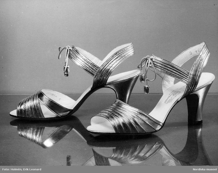 1935. Ett par aftonskor från Bally med snörning. Foto: Erik Holmén