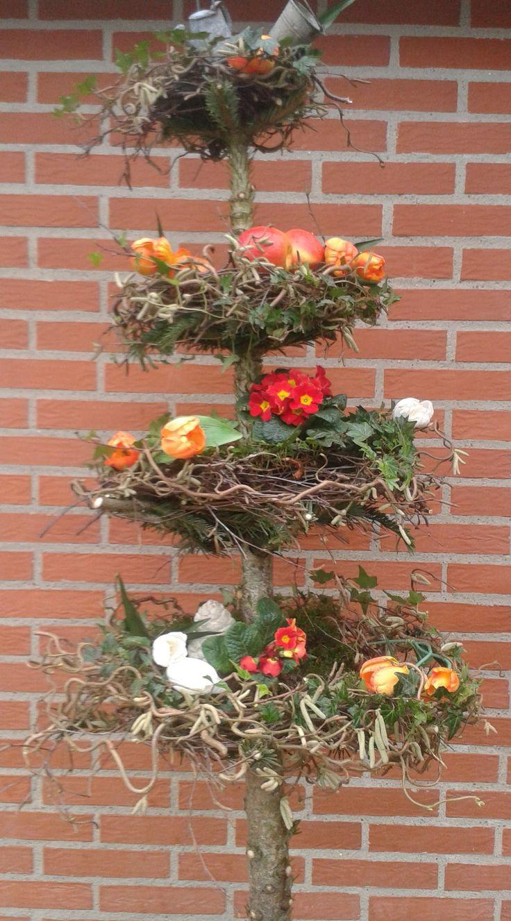 Forårs / påske træ . Lavet af juletræ