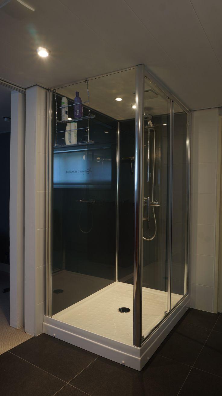 Vrijstaande rondom gesloten douchecabine leverbaar in witte of grijze achterwanden 80 x100 cm | 90x120 cm